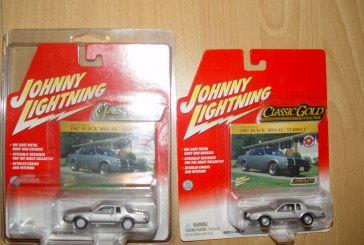 Johnny Lightning 1:64 Buick T-type