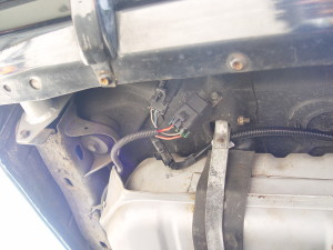 3 wire connector on gas tank
