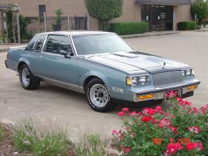 1987 regal limited two tone blue D84