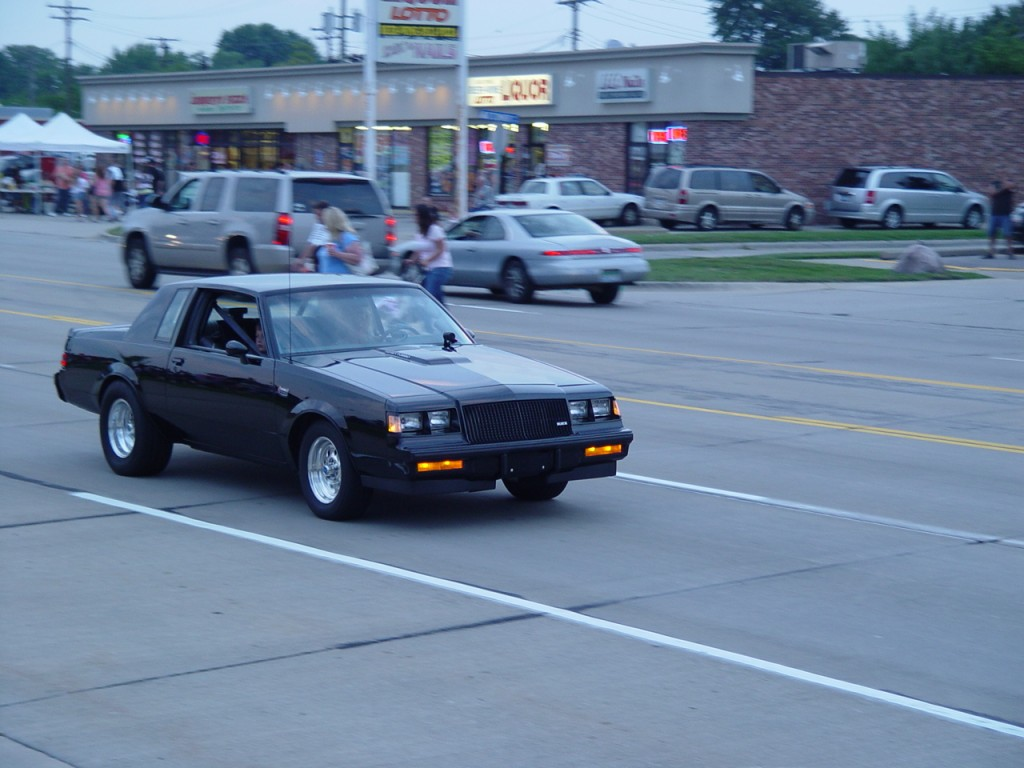Buick Grand National at Harper cruise