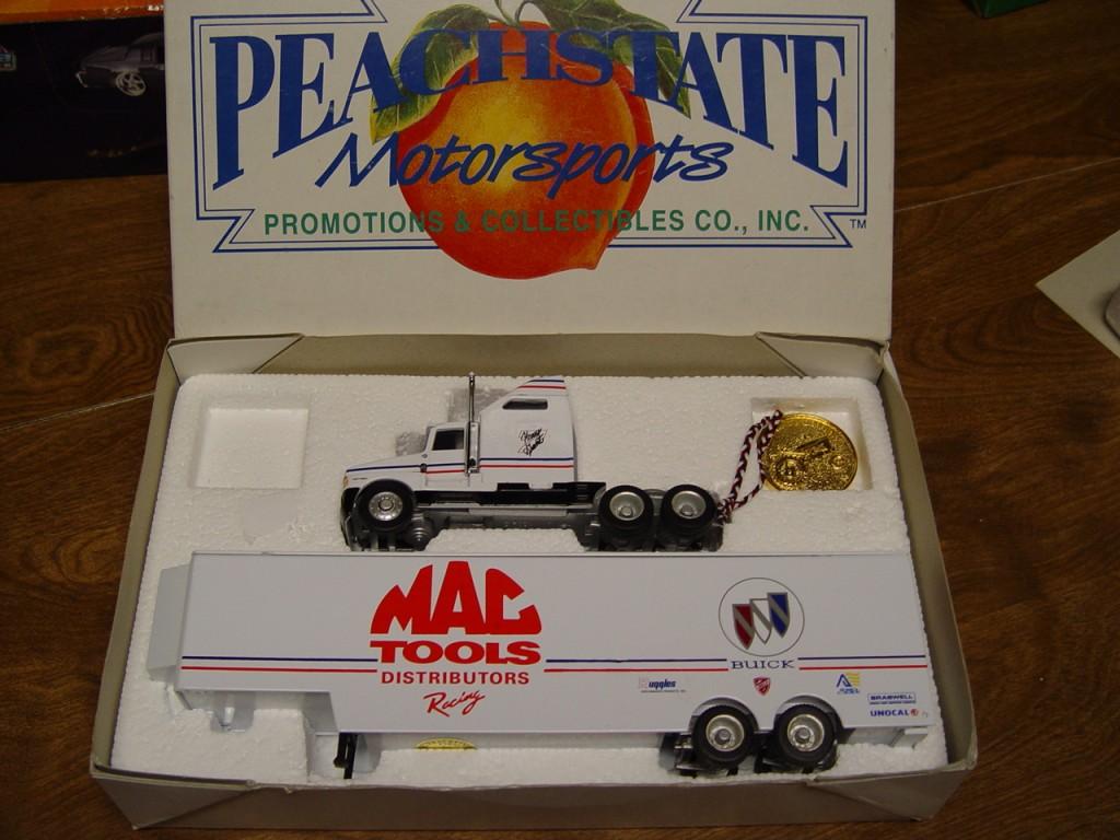 Peachstate MAC Tools semi transporter
