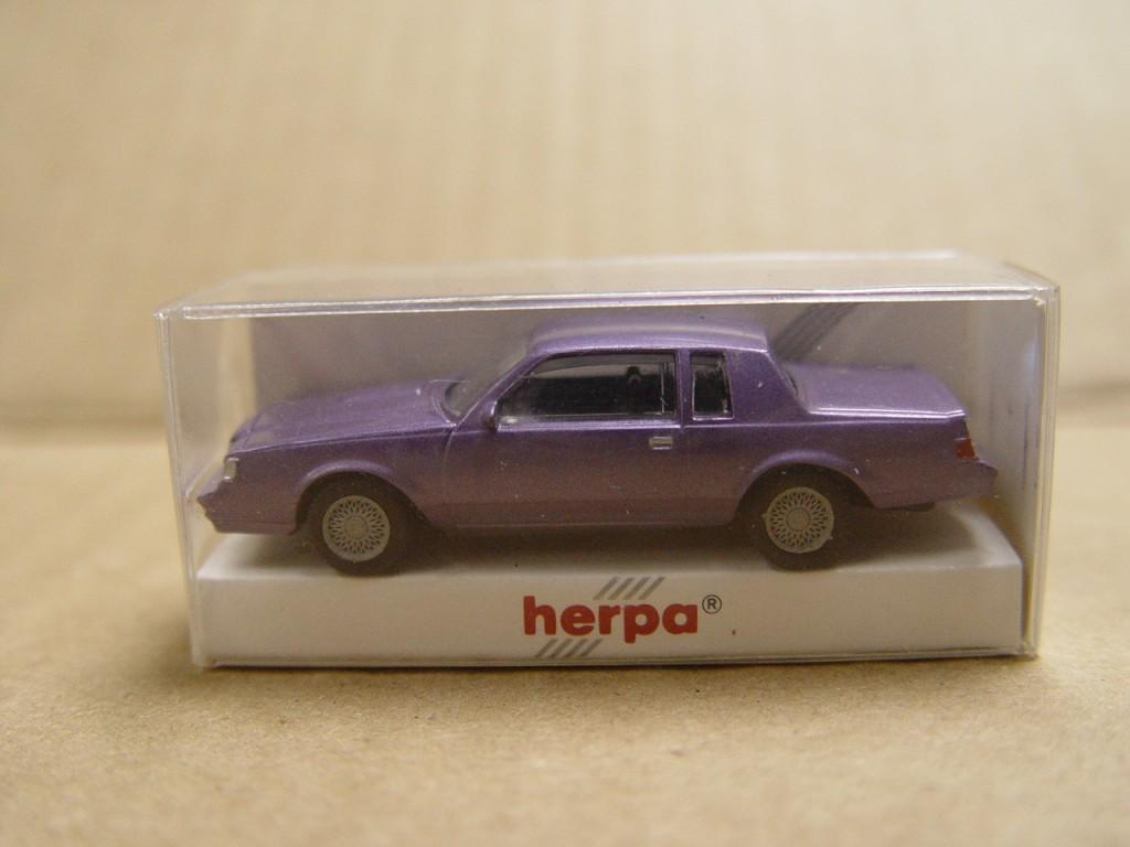 herpa purple regal 1