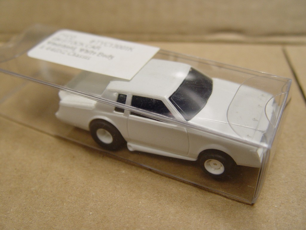 tyco white body buick regal