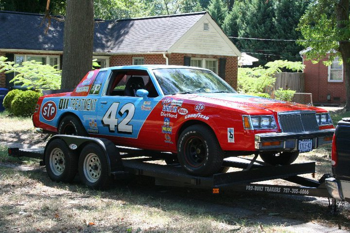 richard-petty-buick-regal-paint-job