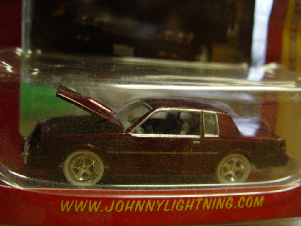 white lightning buick regal diecast