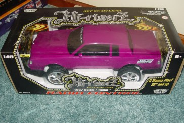 Motor Max Hi-Riserz Radio Control 1987 Buick Regal