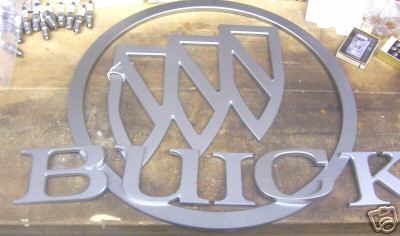 18 INCH ROUND PLASTIC BUICK  SIGN