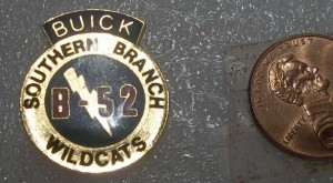 BUICK SOUTHERN BRANCH B-52 WILDCATS LAPEL PIN