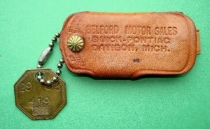 BUICK PONTIAC DEALERSHIP LEATHER KEYHOLDER & FACTORY TOOL CHECK