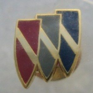 vintage buick crest pin