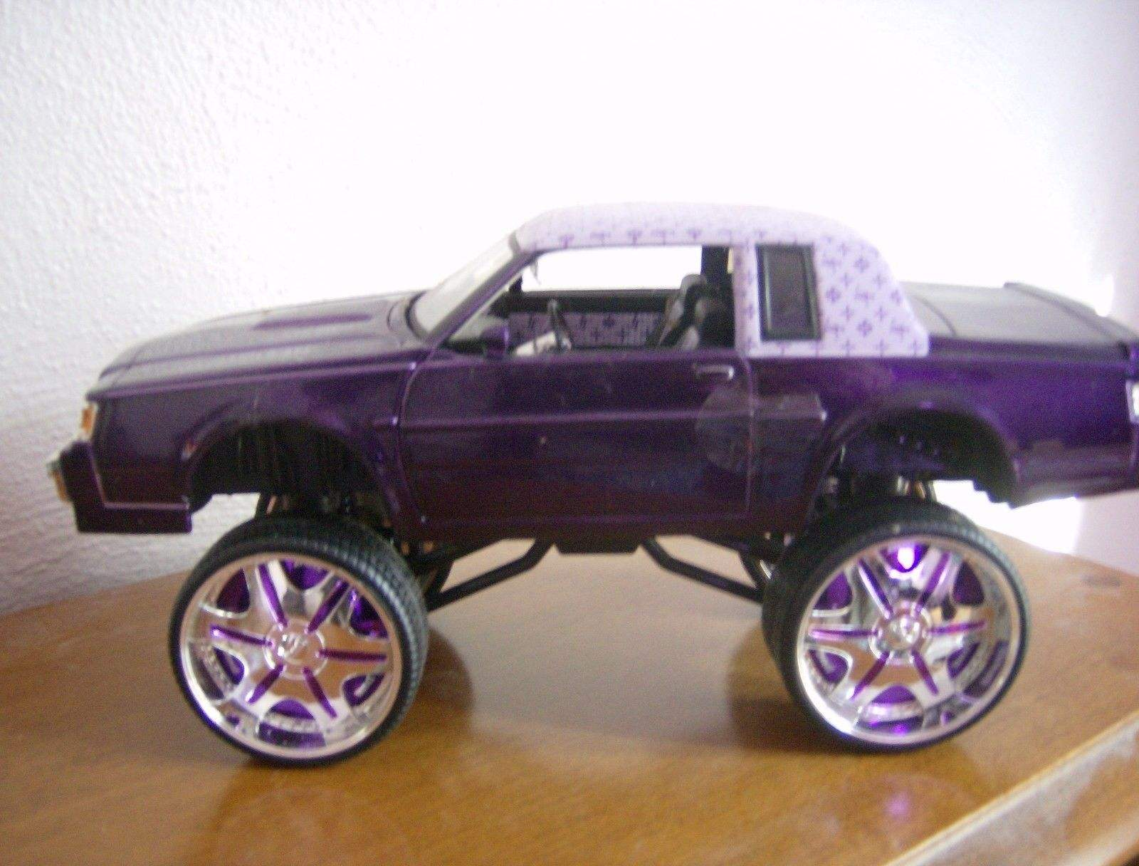 Buick Gnx For Sale >> Donk Box & Bubble 1987 Buick Regal 1:24 Scale