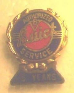 BUICK AUTHORIZED SERVICE PIN BADGE 5 YEAR