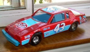 ERTL BUICK GRAND NATIONAL RICHARD PETTY #43 STOCK RACE CAR