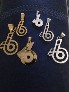 gold-silver-power-6-pendants
