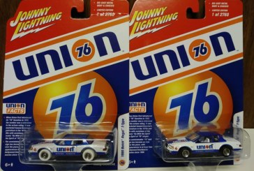 Johnny Lightning 1986 Buick Regal T-Type Union 76 1/64 Scale Diecast Car