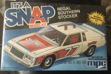 MPC Snap Model 1981 Buick Regal Southern Stocker 1:32 Kit