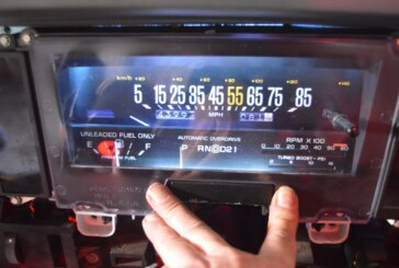 Changing Dash Gauges / Side Warning Light Bulbs (Tell Tale Idiot Post 15 of 27)