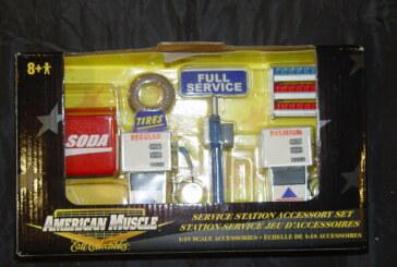Buick Diecast Scale Diorama Setup Accessories
