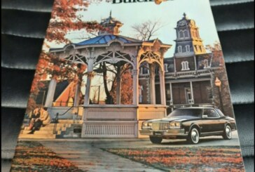1980 Buick Color Sales Brochure Catalog